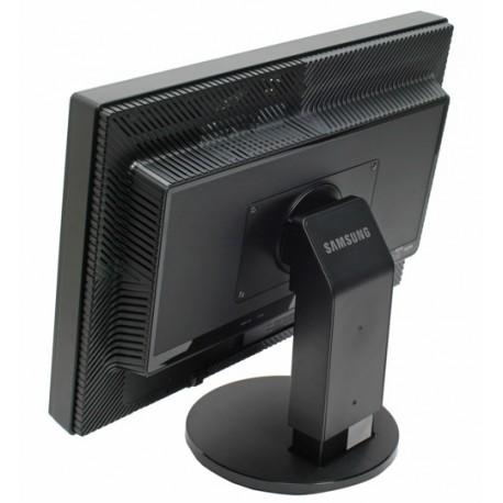 monitor Samsung 245T rabljen